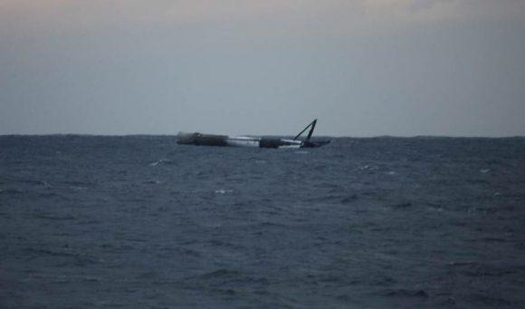 La primera etapa después del amerizaje (SpaceX).