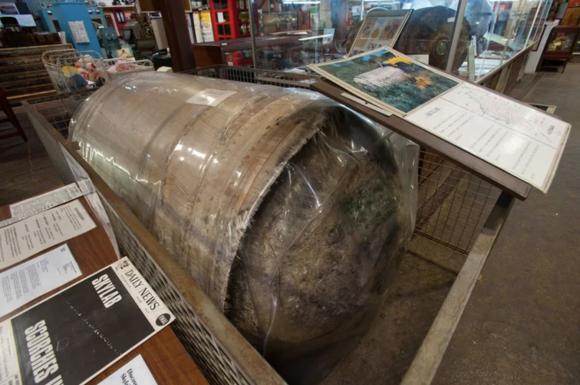 Alguno de los restos más grandes que sobrevivieron a la reentrada del Skylab sobre el outback australiano (Ben Cooper).