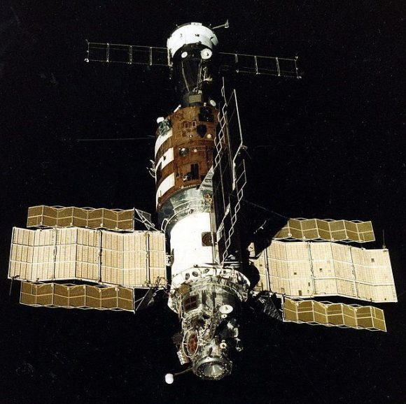 La estación Salyut 7. Se aprecian los paneles solares adicionales.