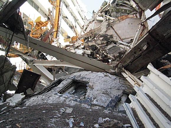 Así quedó el Burán en 2002 al derrumbarse el techo del hangar donde se guardaba.