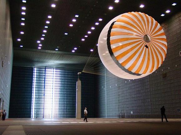 800px-Parachute1