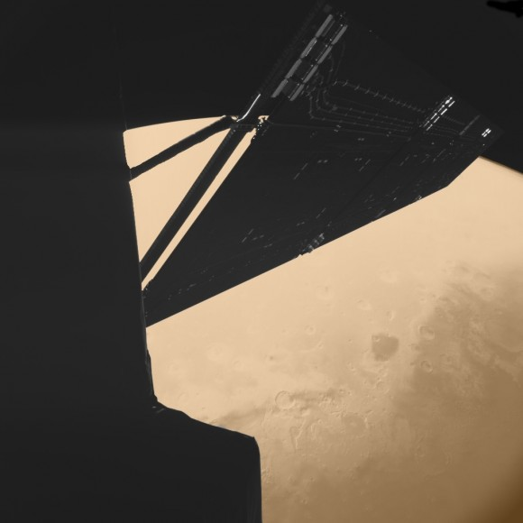 Stunning_image_of_Rosetta_above_Mars_taken_by_the_Philae_lander_camera
