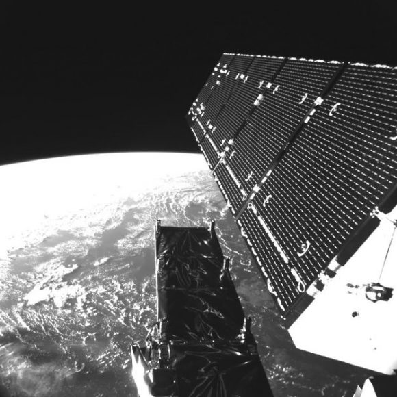 Sentinel-1_solar_wing_node_full_image