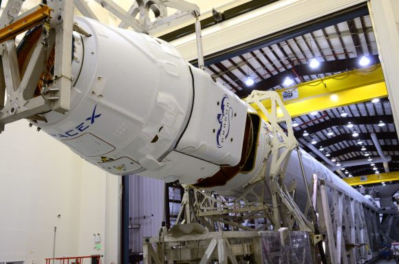 crs-3_dragonf9inhangar