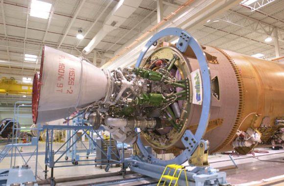 Atlas V activity:RD180 engine mounted onto Atlas V