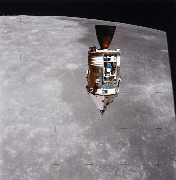Apollo_15_CSM_Endeavour_during_rendezvous