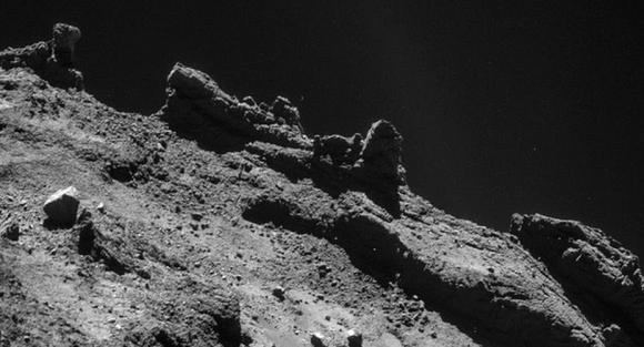 El cometa 67P es un lugar increíblemente escarpado (ESA).