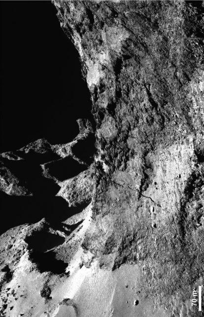 Otra vista de los acantilados (ESA/OSIRIS).