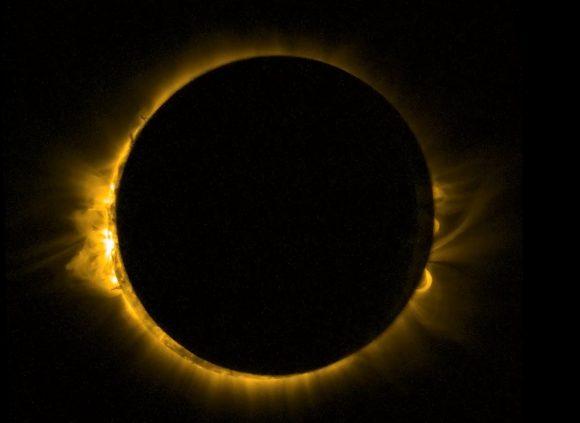 El eclipse de marzo de 2015 visto desde el espacio en ultravioleta por el satélite Proba-2 de la ESA (ESA).