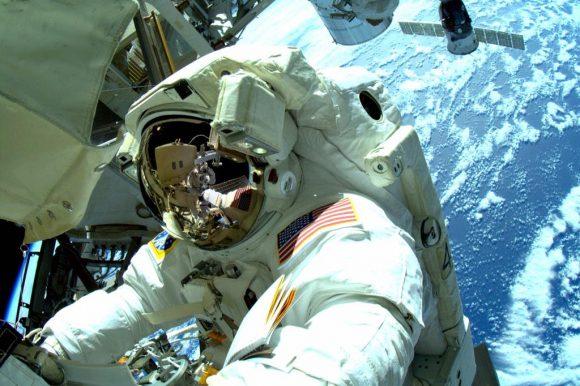 Wilmore durante la EVA-31 (NASA).