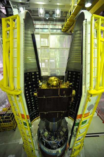 irnss-1d-between-two-halves-of-pslv-c27-heat-shield