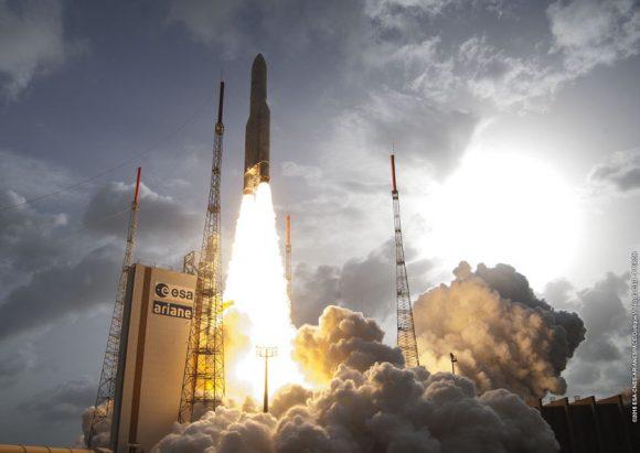 Lanzamiento de la misión VA222 (Arianespace).