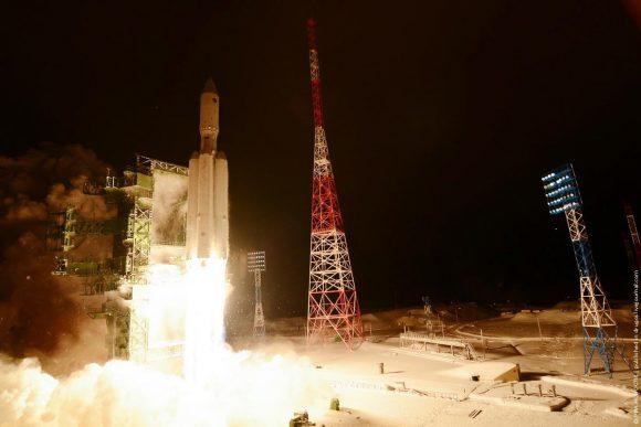 Lanzamiento del primer Angará A5 desde Plesetsk (RIA Novosti).