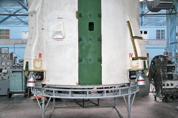 Motores vernier de la segunda etapa (ACS).