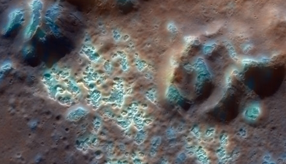'Hollows' en la superficie de Mercurio (NASA),