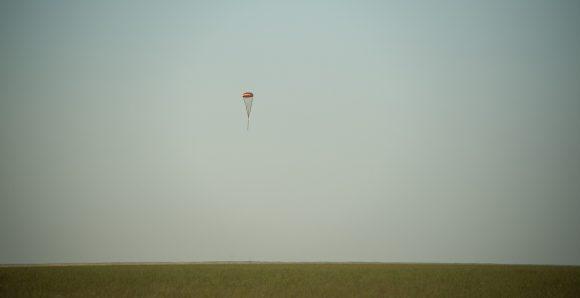 Descenso de la cápsula (NASA).