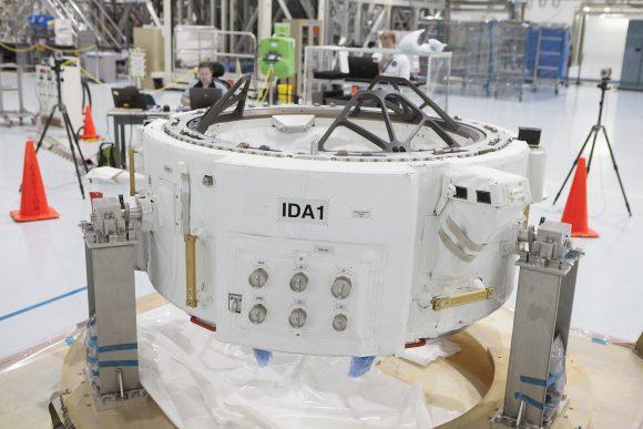 Sistema de acoplamiento andrógino IDA-1 que iba a bordo de la Dragon CRS-7 (NASA).