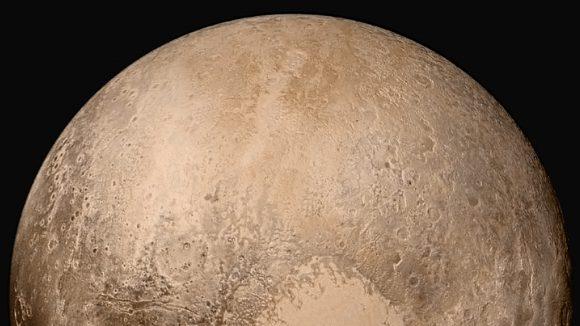 Hemisferio norte de Plutón visto en falso color por la cámara LORRI a 280 000 km de distancia ().