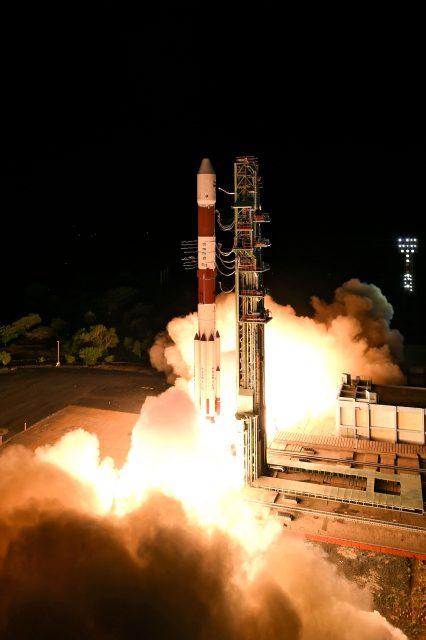 Lanzamiento de la misión PSLV C28 (ISRO).