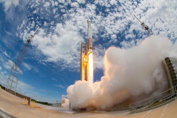 Lanzamiento del GPS IIF-10 (ULA).