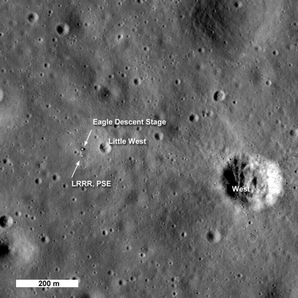 La zona de alunizaje del Apolo 11 vista por la sonda LRO (NASA).