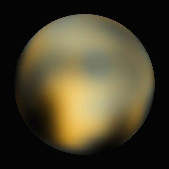 Plutón visto por el telescopio Hubble. Hemos recorrido un largo camino (NASA).