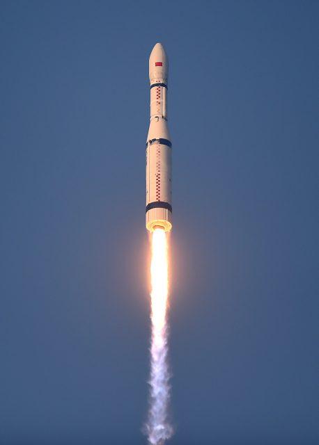 Primer lanzamiento del Larga Marcha CZ-6 (Xinhua).