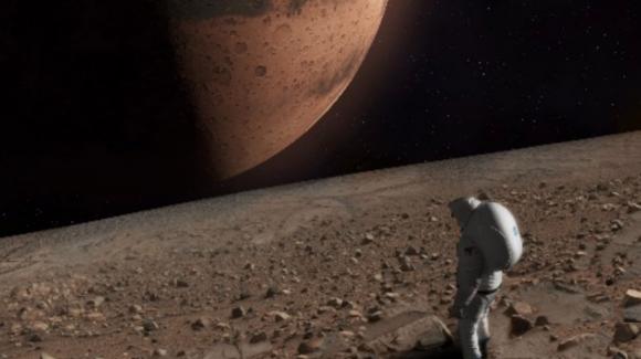 Un astronauta en la superficie de Fobos (NASA).