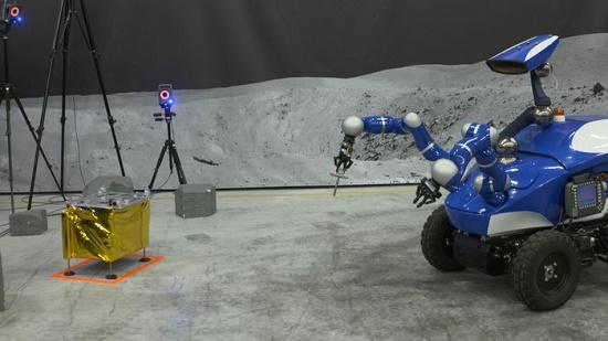 El pequeño robot teleoperado por Mogensen (ESA).