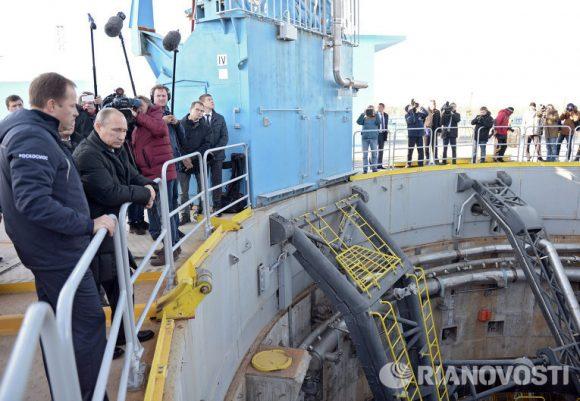 Putin en la rampa del Soyuz  en Vostochni (RIA Novosti).