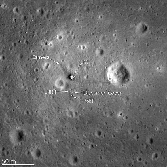 La etapa de descenso del módulo lunar Eagle del Apolo 11 y las huellas de los astronautas vistas por la LRO (NASA).