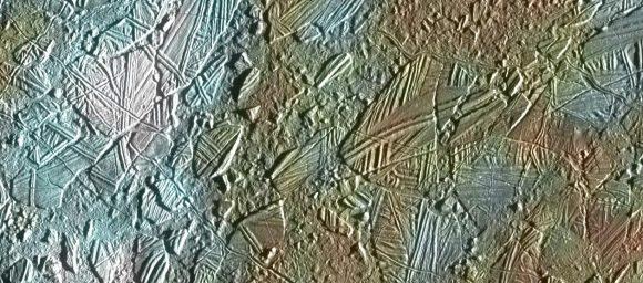 Terreno caótico de Europa visto por la sonda Galileo (NASA).