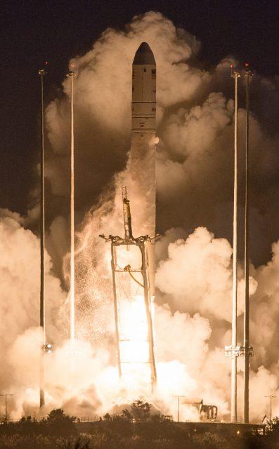 Lanzamiento del Antares con la Cygnus Orb-3 (NASA).