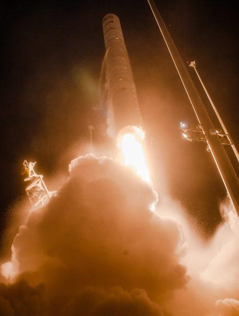 Otra perspectiva del lanzamiento (NASA).