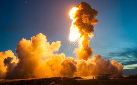 Por este motivo todos los centros de lanzamiento tienen una distancia mínima de seguridad (NASA).