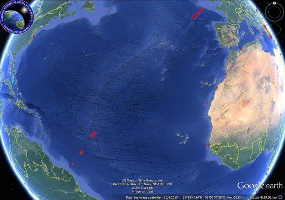 Trayectoria de lanzamiento con las zonas de caída de las etapas (CNES).