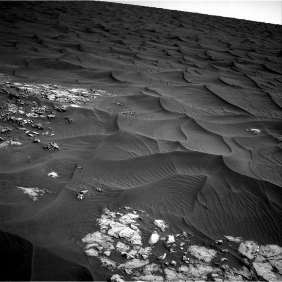 Dunas en el cráter Gale vistas por Curiosity (NASA).