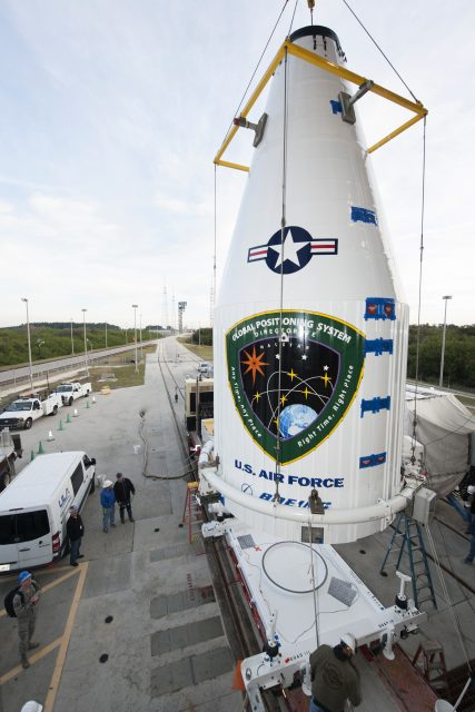 ULA GPS IIF-12 Lift & Mate