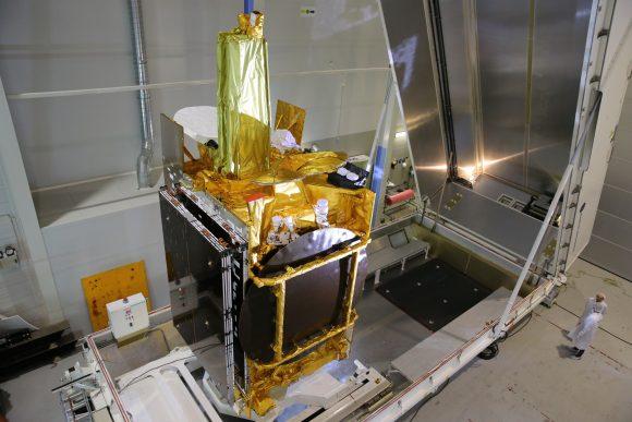 Eutelsat 9B (ILS).