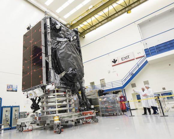 Satélite SES 9 antes del lanzamiento (Boeing SS).