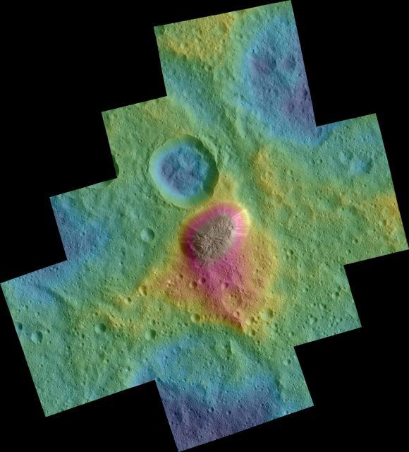 Fotografiada coloreada según el relieve de la zona de Ahuna Mons (NASA/JPL-Caltech/UCLA/MPS/DLR/IDA/PSI).