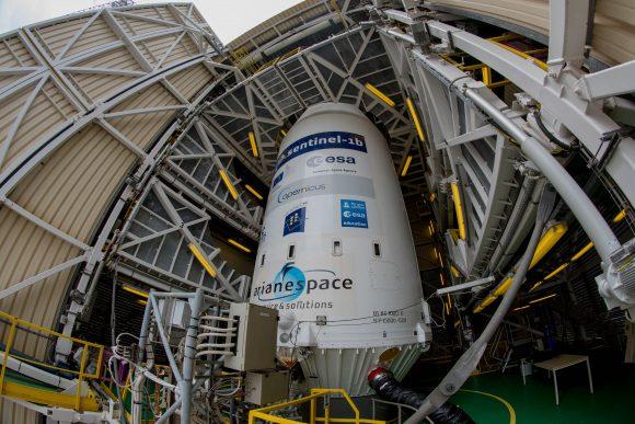 Sentinel 1BOuverture des portes du portique, vue du lanceur