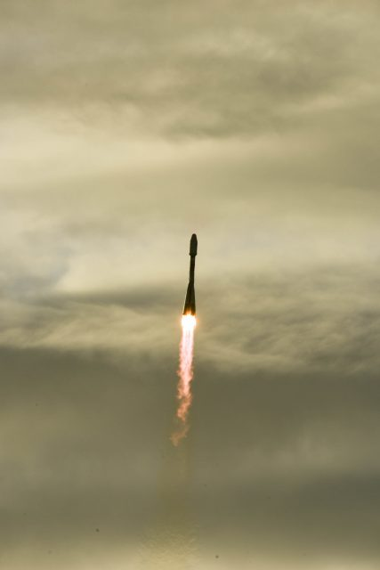 Sentinel-1B_lifts_off (1)