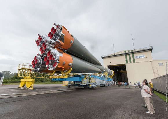 vs15_Roll-out-rocket_20may216 (10)