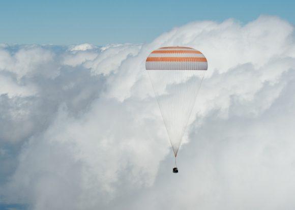 Aterrizaje de la Soyuz TMA-19M (NASA/Bill Ingalls).