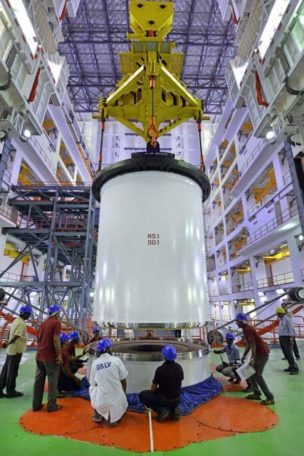 Primera etapa de la misión C34 (ISRO).