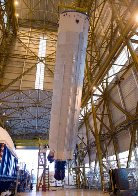 Etapa EPC de la misión VA230 en el edificio BIL (Arianespace).