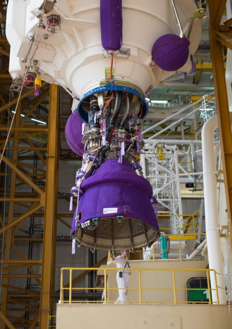 Detalle del motor Vulcain de la EPC de la VA230 (Arianespace).