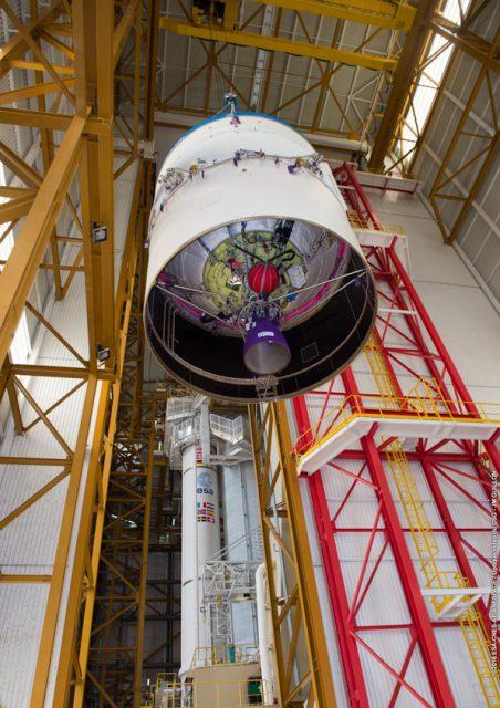 Integración de la segunda etapa ESC-A de la VA230 (Arianespace).