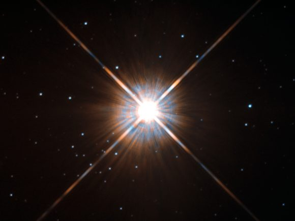 Próxima Centauri vista por el telescopio espacial Hubble. La estrella no es visible a simple vista (NASA/ESA/STScI).